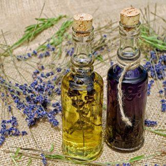 Vonné a esenciální oleje a vosky
